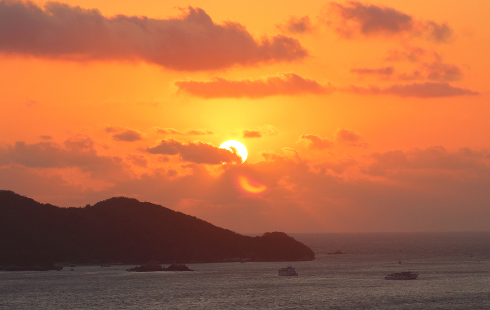 Sunset on Isla de la Roqueta in Acapulco, Mexico